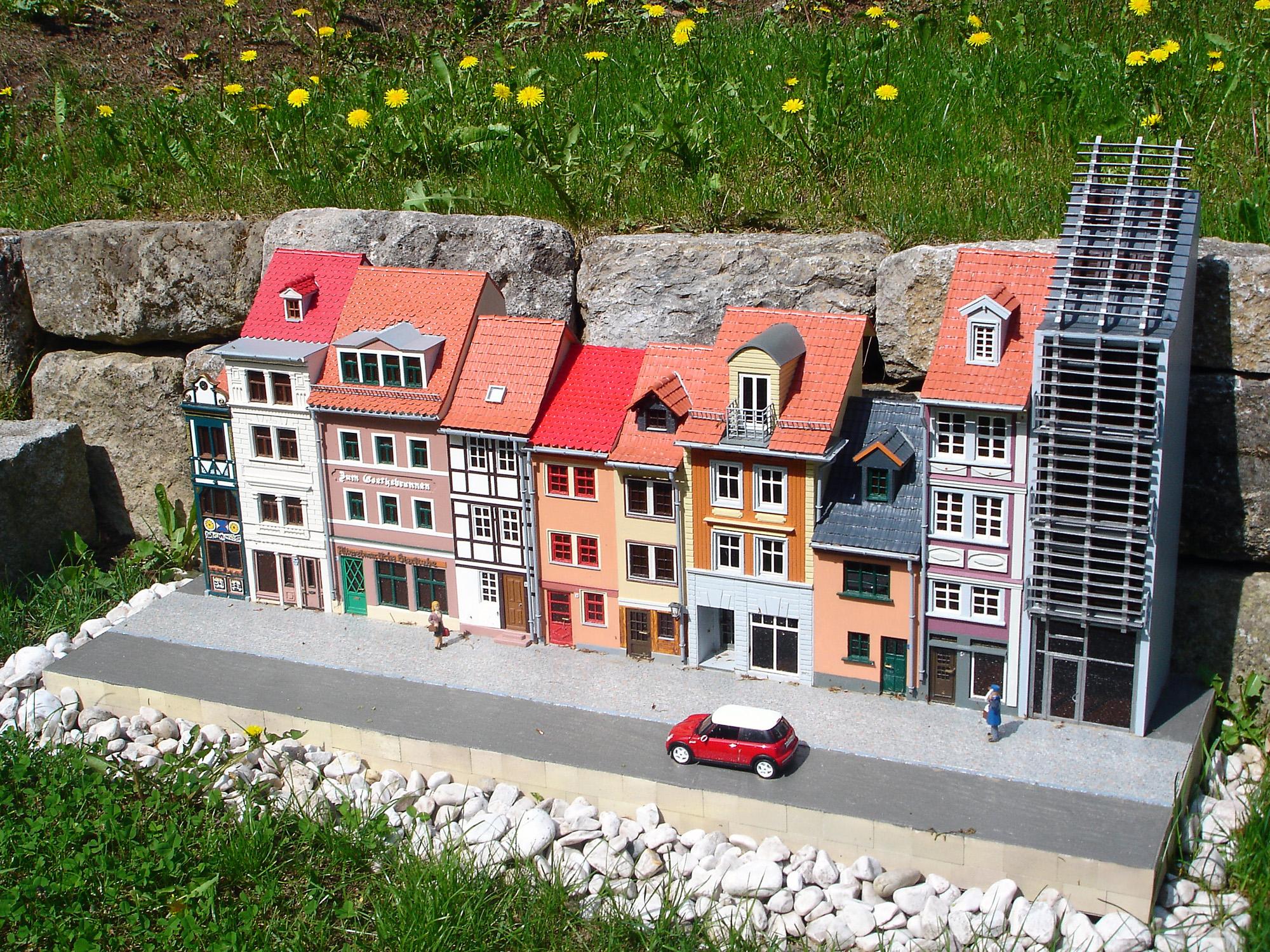 Schmale Häuser file miniathür schmale häuser jpg wikimedia commons