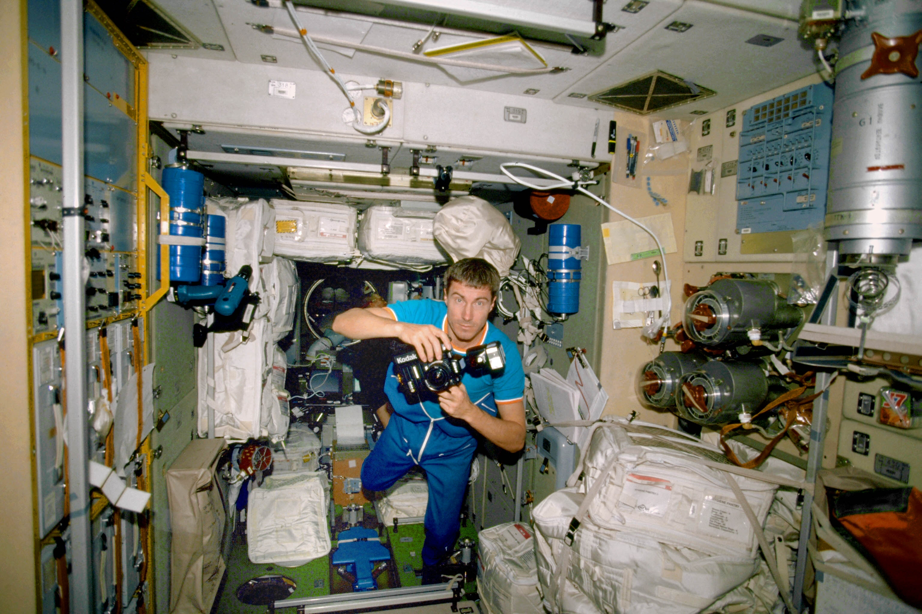 inside space station images - photo #13
