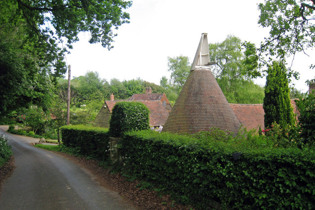 Oast House at Toys Hill Farmhouse, Brasted, Kent - geograph.org.uk - 1296819