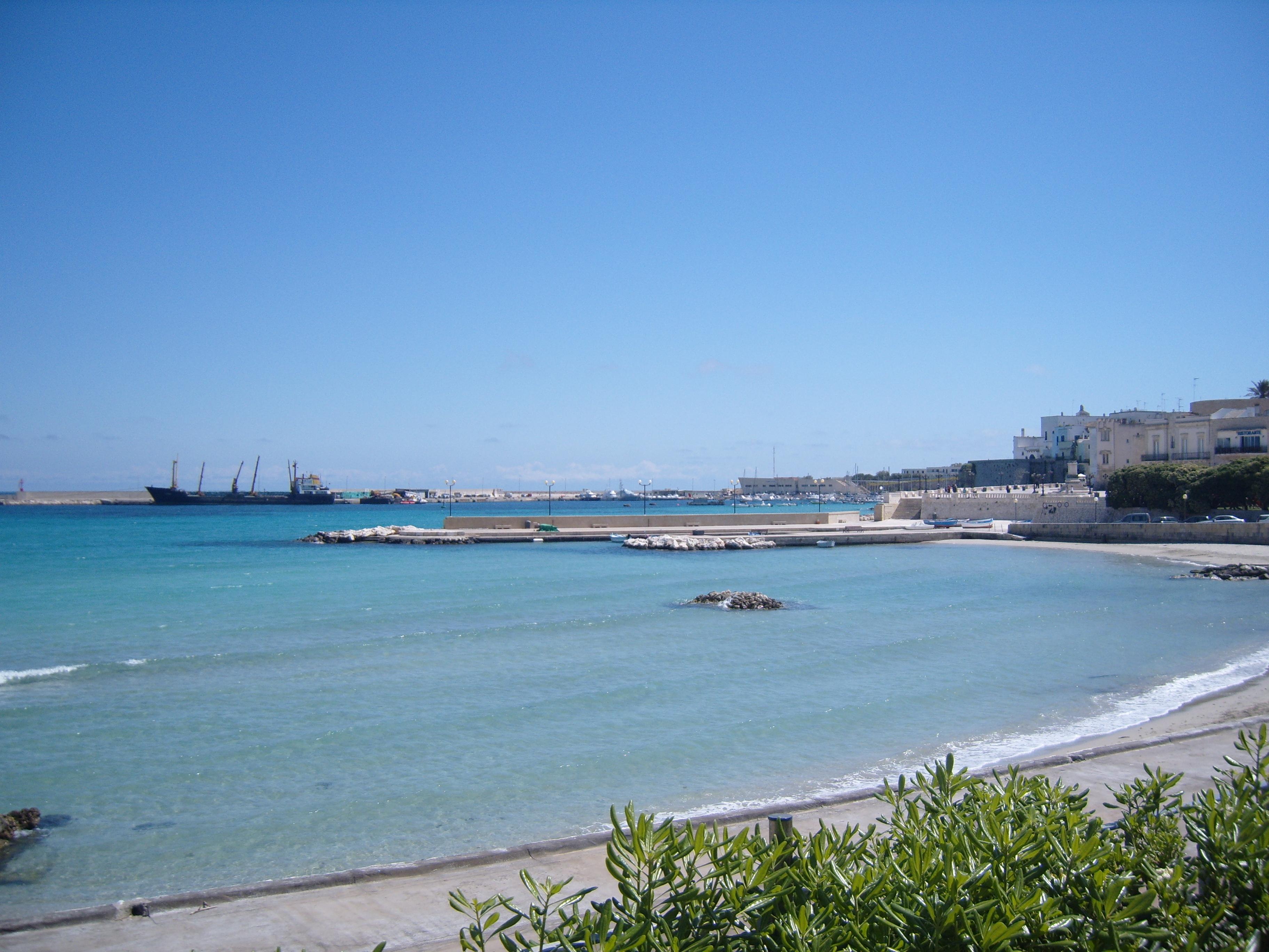 File:Otranto.JPG - Wikimedia Commons
