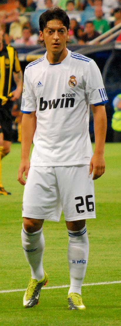 9dee75b9b File Ozil in Real Madrid.jpg - Wikimedia Commons