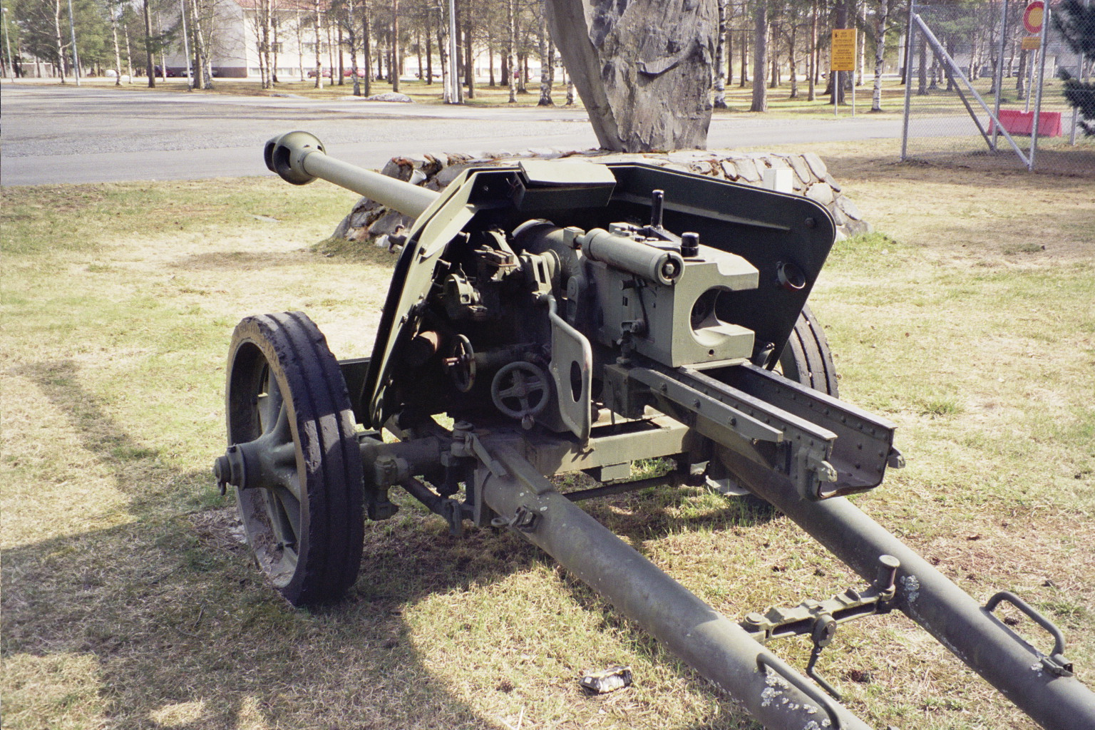 German 50 Mm Anti Tank Gun: File:Pak40 Antitank Gun In Hiukkavaara May2008 002.jpg