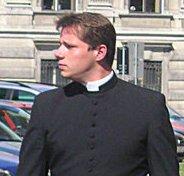 Datei:Priest.jpg