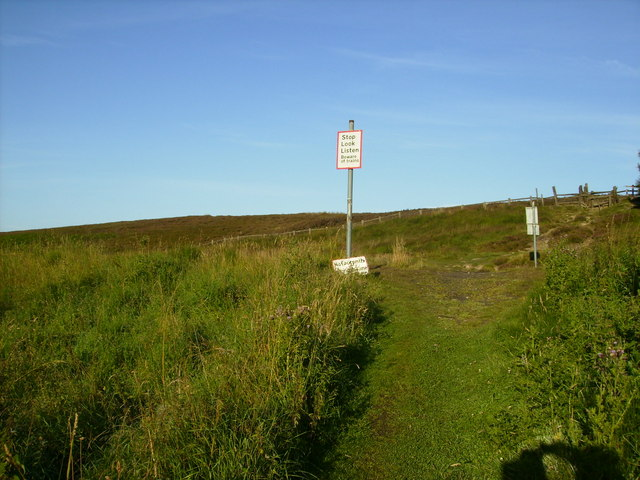 Railway Crossing on footpath - geograph.org.uk - 514206