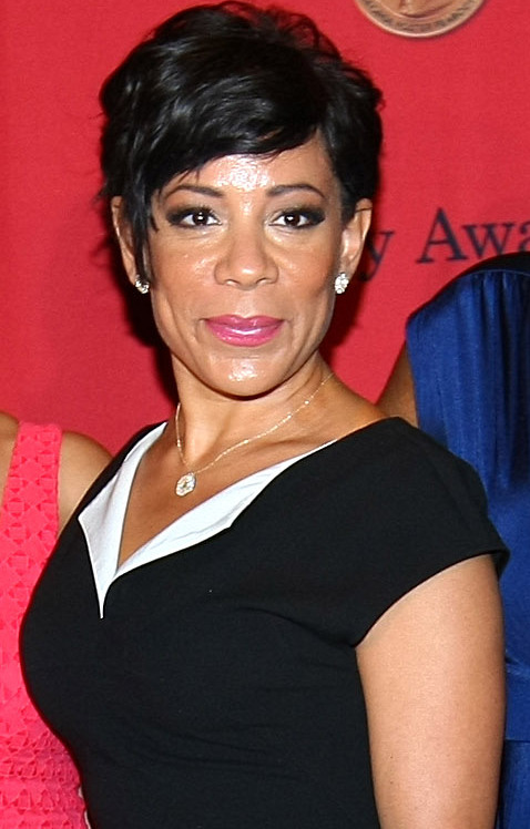 The 46-year old daughter of father (?) and mother(?) Selenis Leyva in 2018 photo. Selenis Leyva earned a  million dollar salary - leaving the net worth at 3 million in 2018