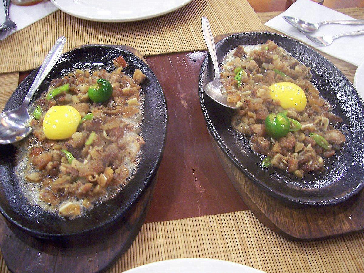 sisig filipino dish sizzling sisig filipino dish sizzling pork sisig ...