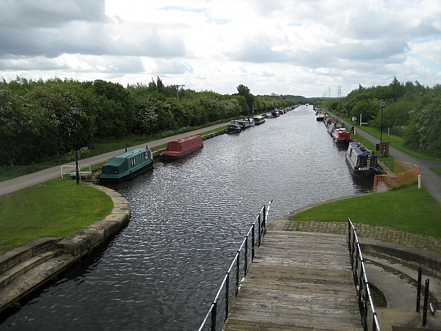 Stanley Ferry moorings - geograph.org.uk - 1321289