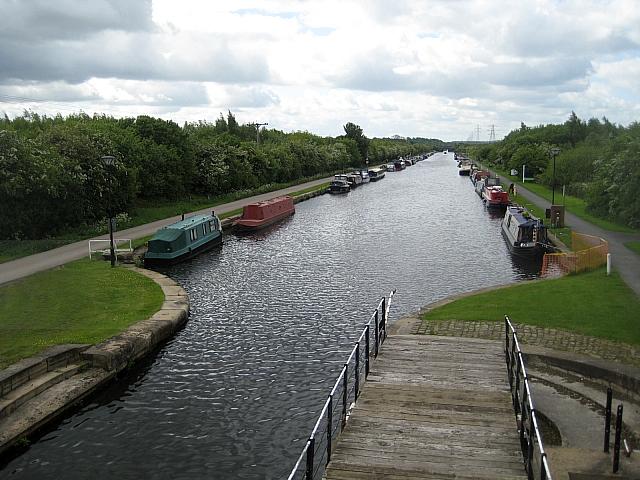 Stanley Ferry moorings - geograph.org.uk - 1321289