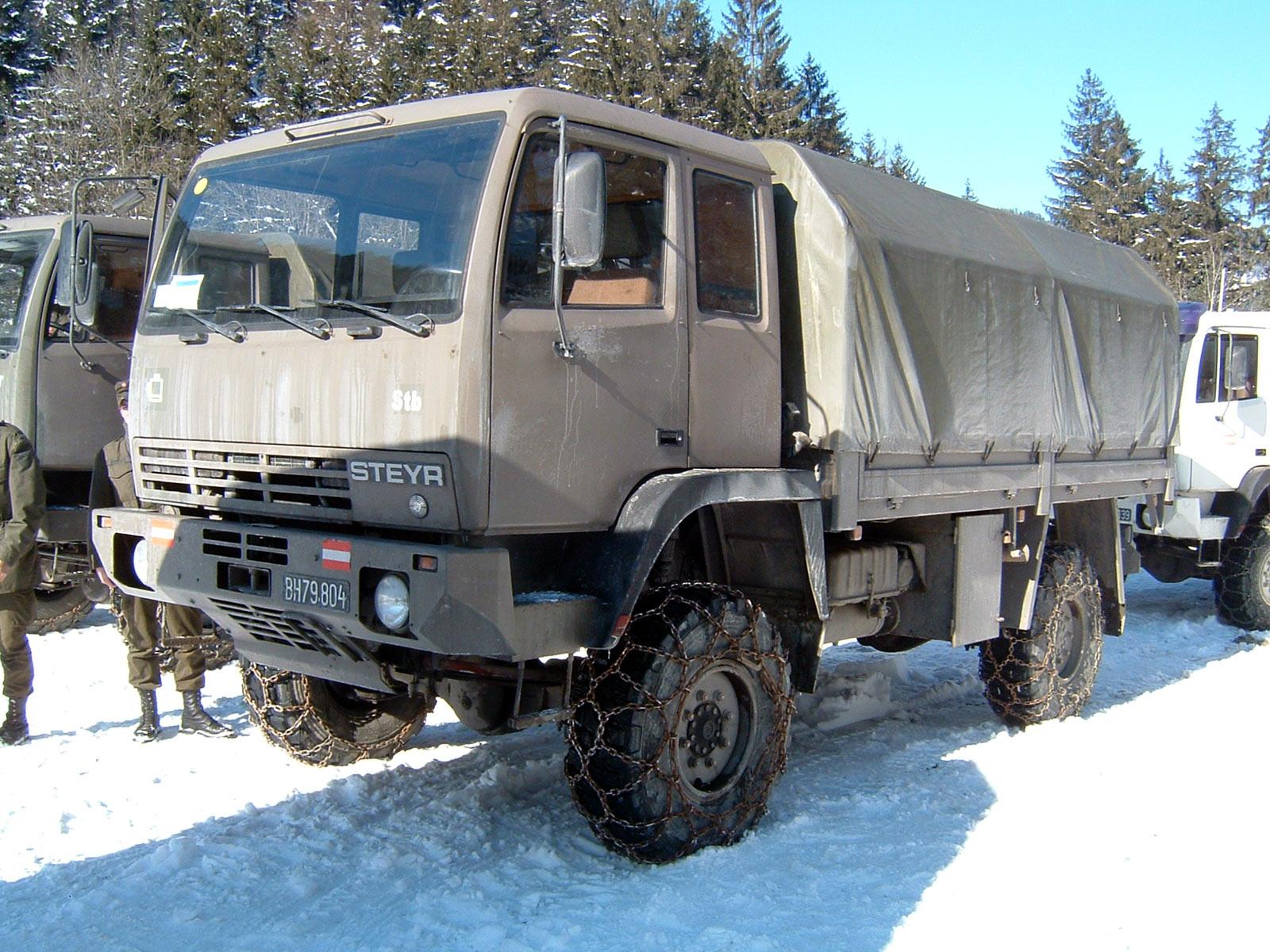 saurer truck bus Steyr_12M18_truck_of_the_Austrian_Armed_Forces