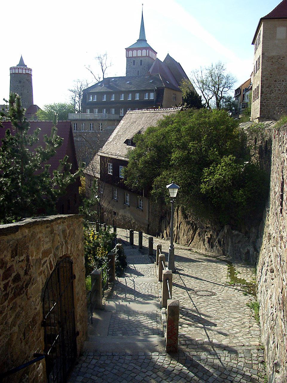 File:Straßenszene in Bauzen.JPG - Wikimedia Commons
