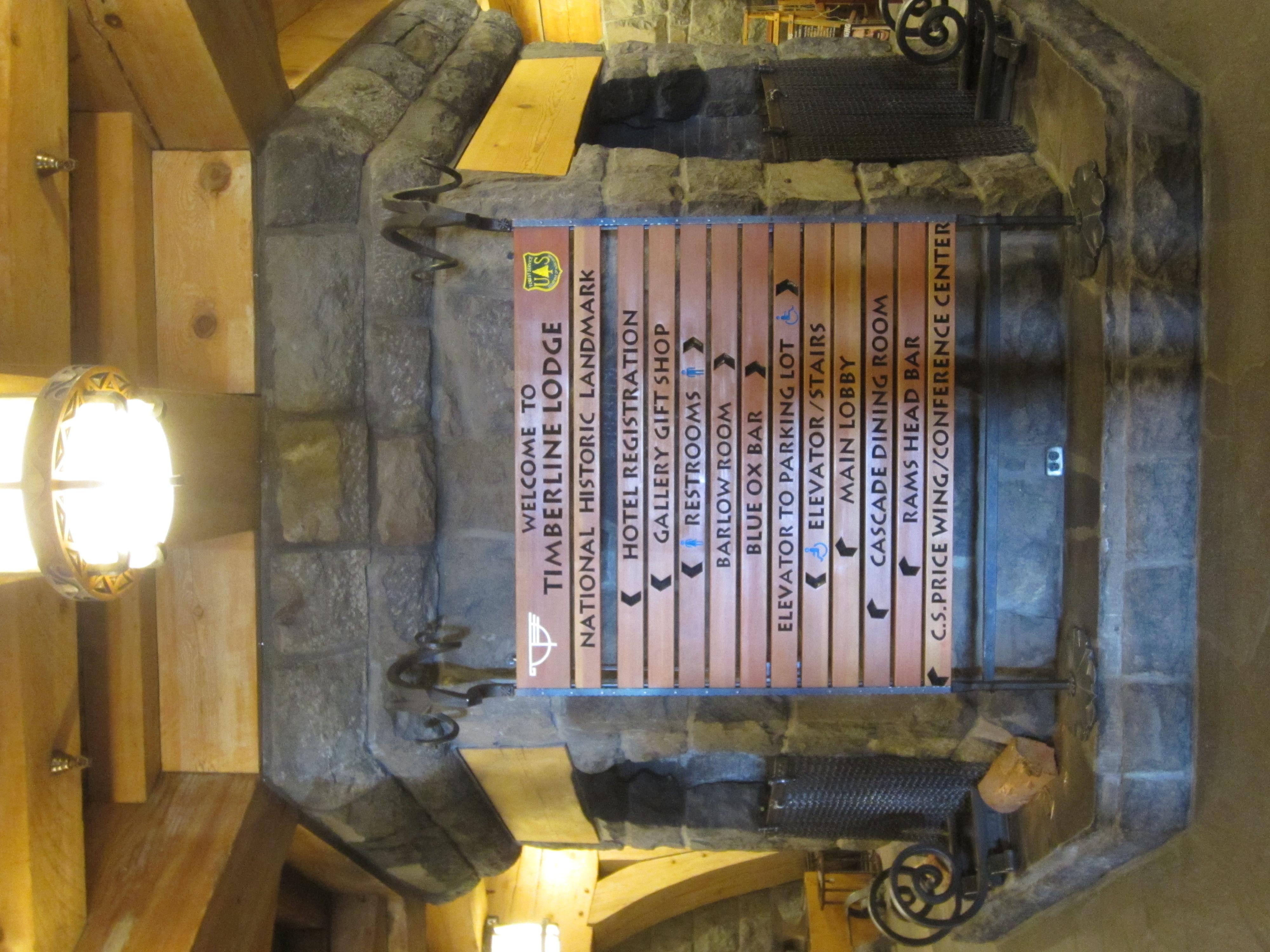 File:Timberline Lodge, Oregon (2017) - 08.jpg - Wikimedia Commons