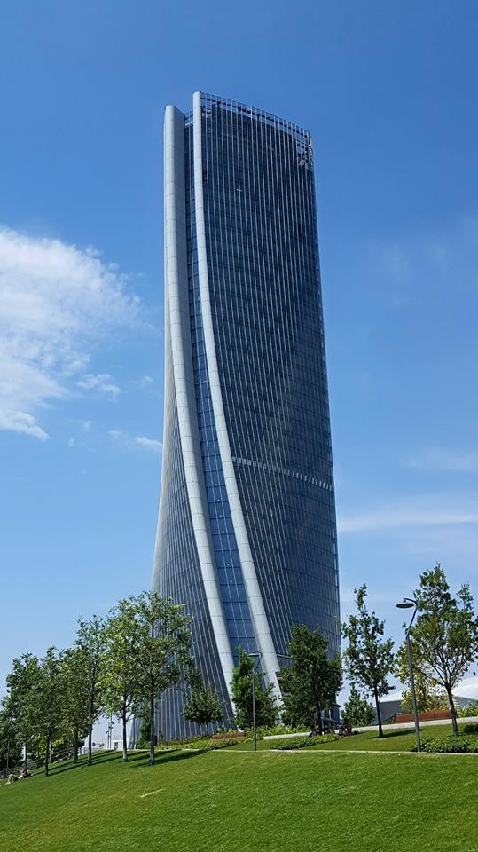 Torre hadid wikipedia for Immagini di design moderno edificio