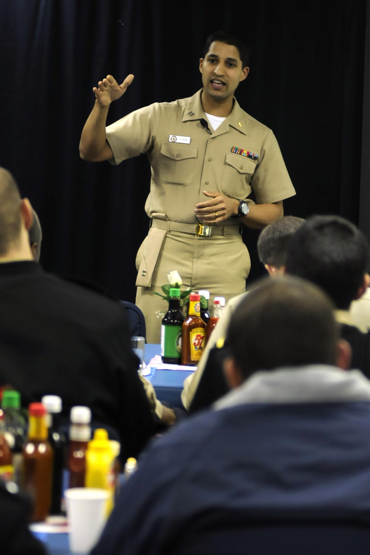 File:US Navy 081114-N-8546L-198 Lt  Amit Sood, a clinical dietitian