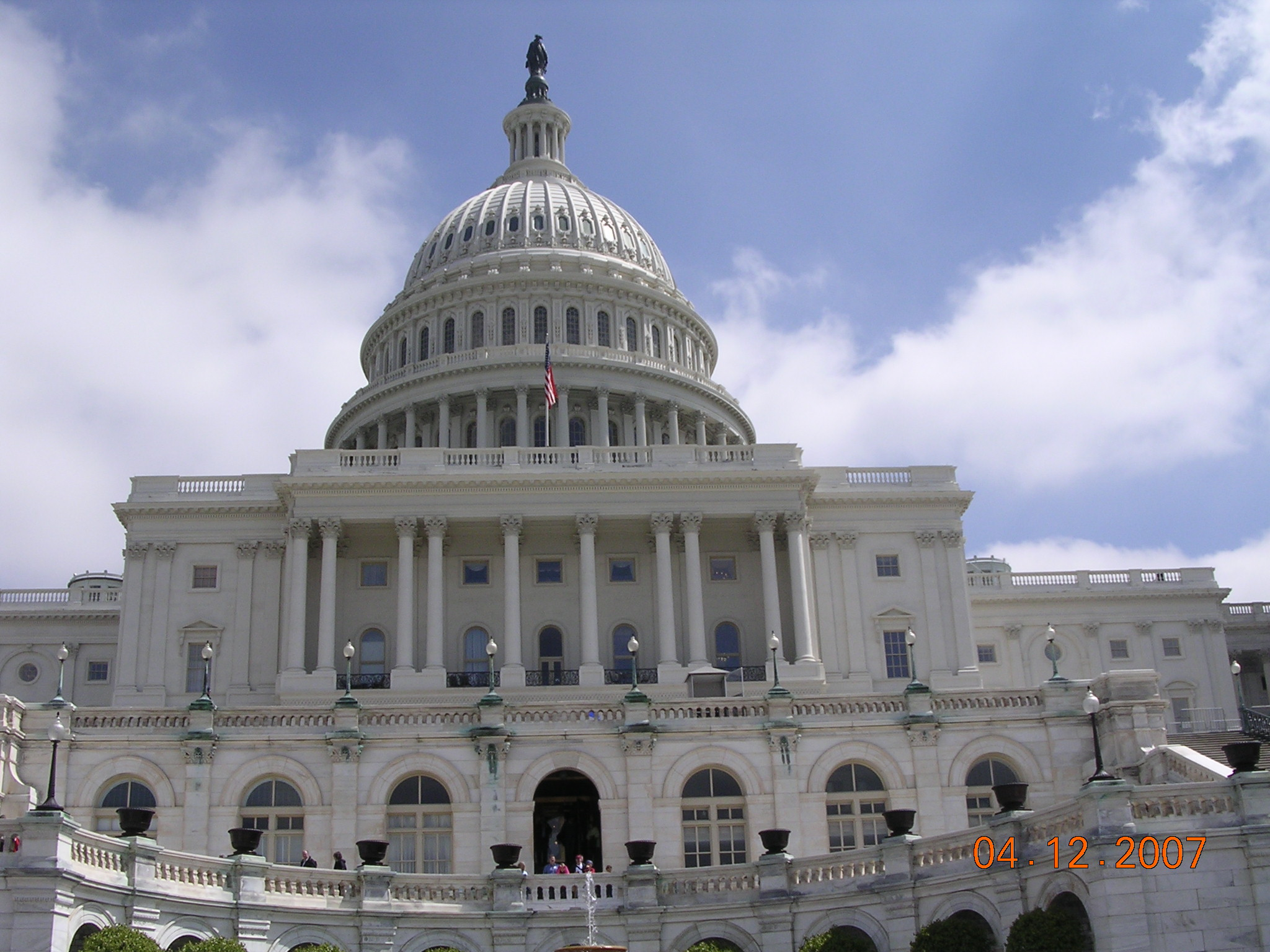 an introduction to the nations capitol and its history in the united states Pierre charles l'enfant was hired to design the federal city on june 11, 1800,  the capital of the united states had a permanent home in washington, dc.