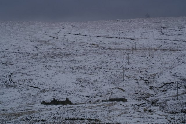 File:Vallafield, Baltasound - geograph.org.uk - 335679.jpg