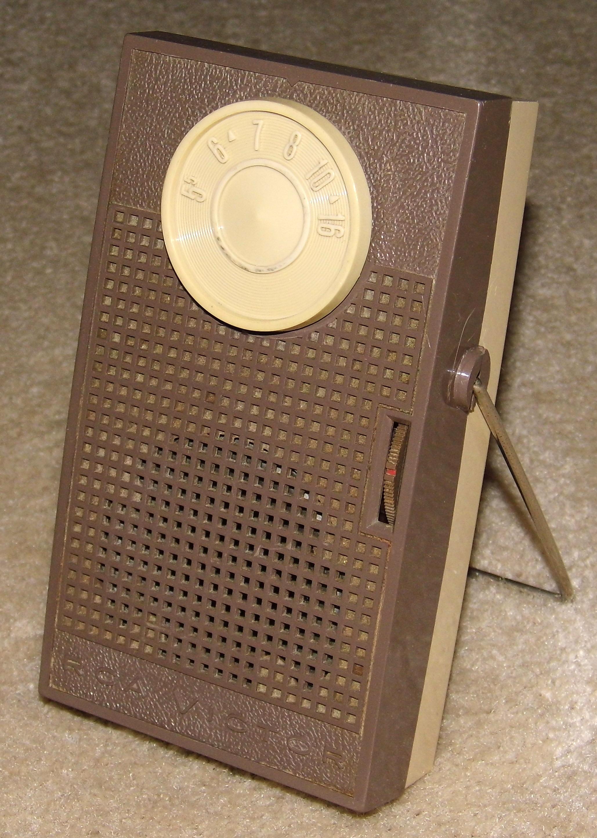File:Vintage RCA Victor 6-Transistor Radio, Model 3-RG-14