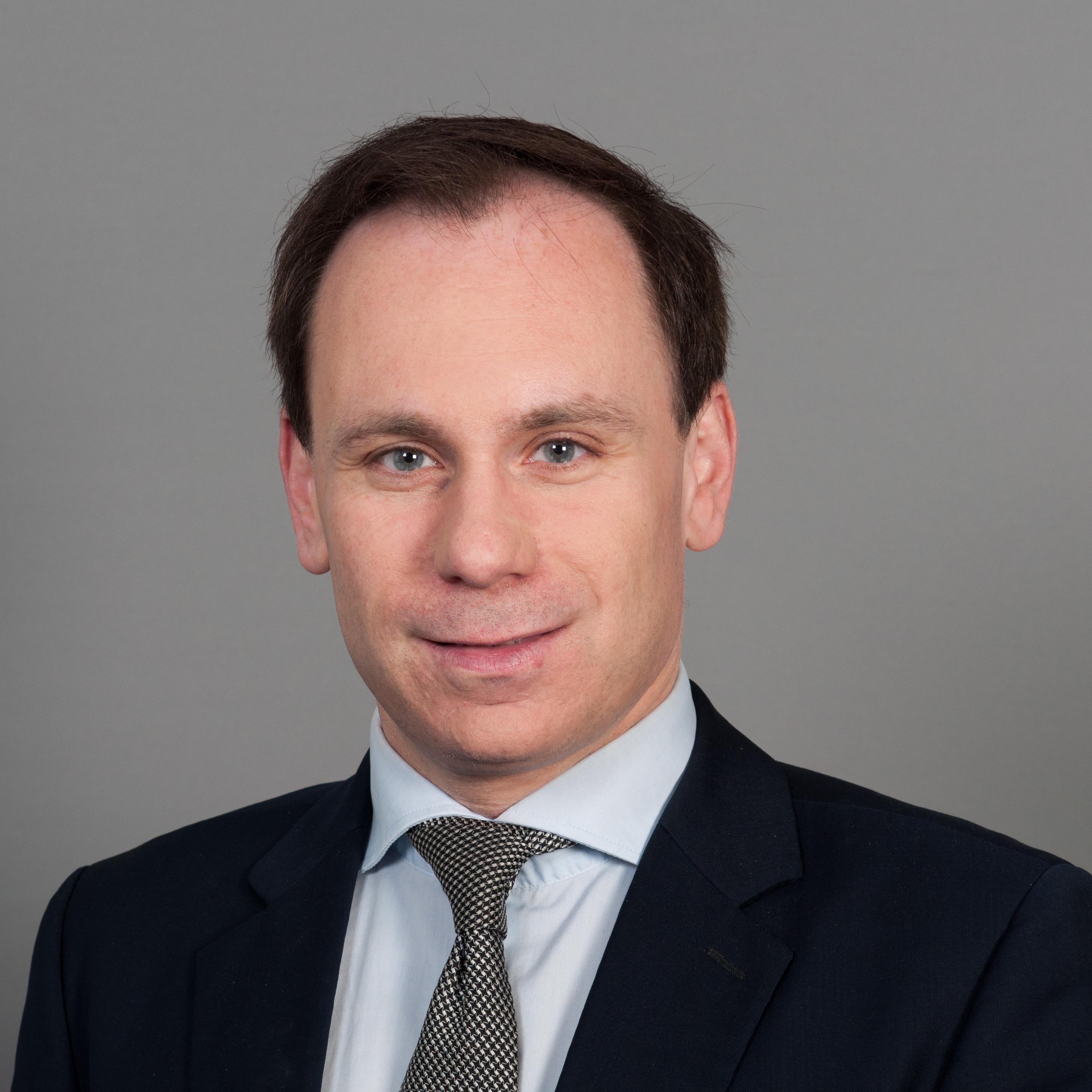 Volker Ullrich net worth salary