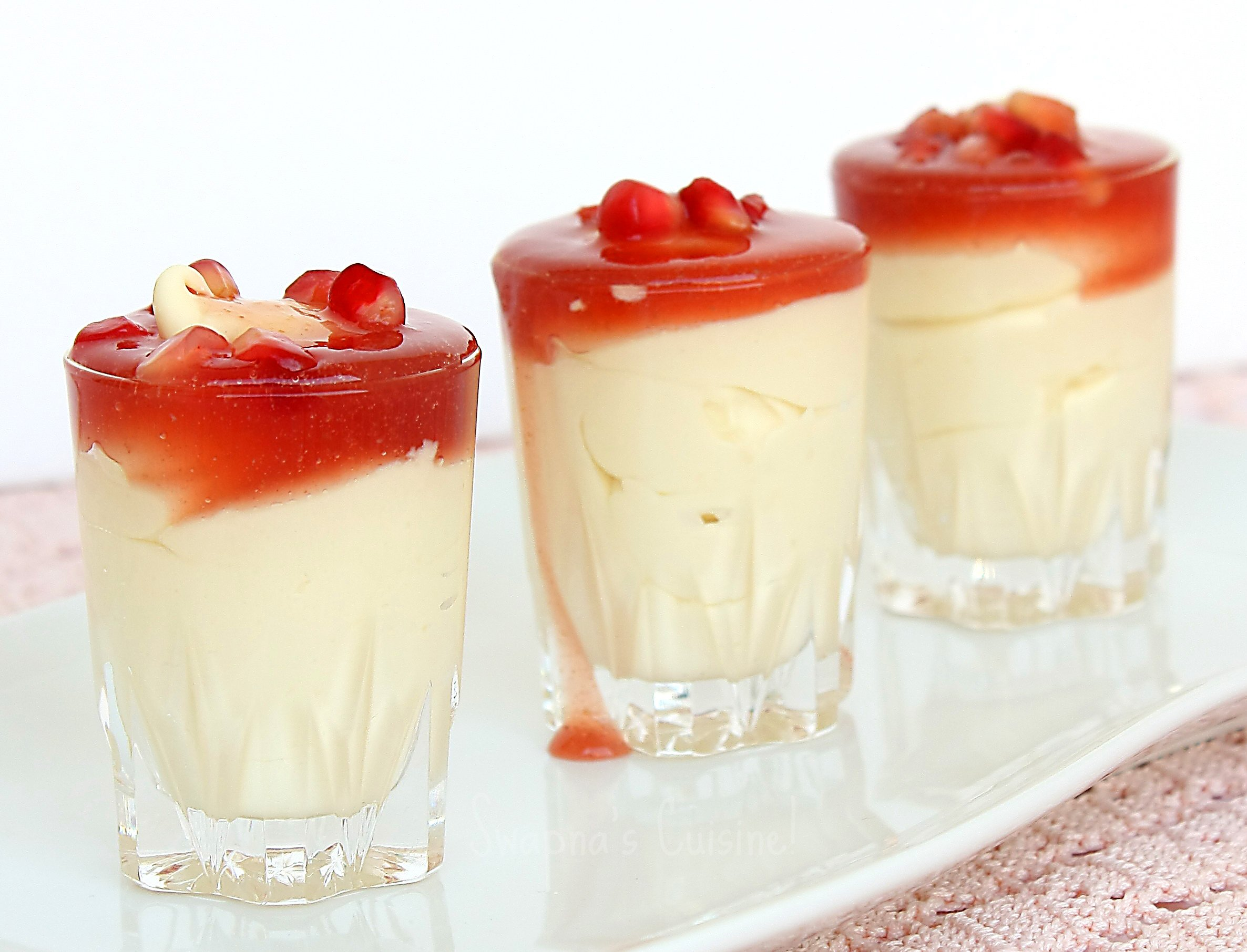 White chocolate mousse (5418297929).jpg