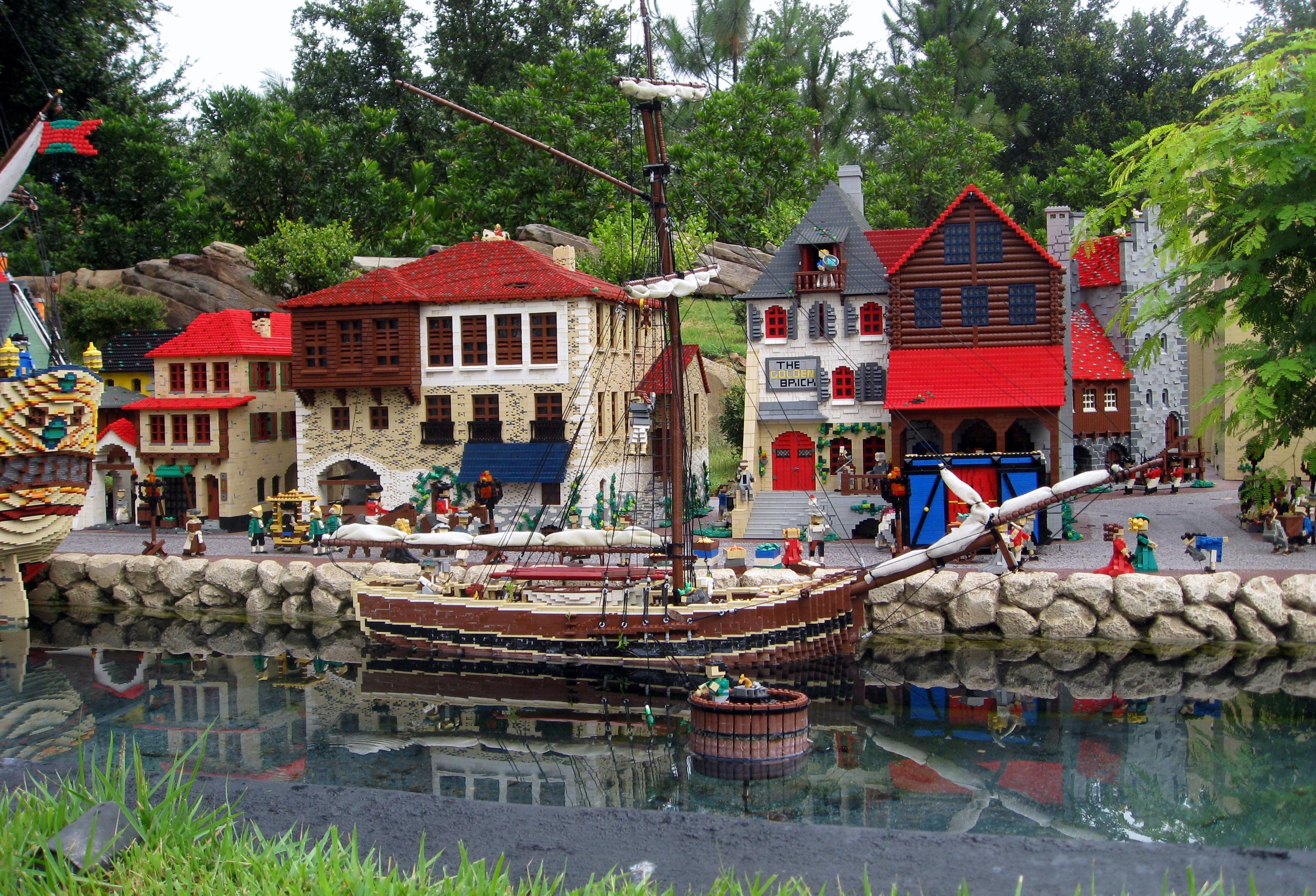 Winter Haven - Legoland Florida - Miniland USA - Pirate's Shores (9424164564).jpg