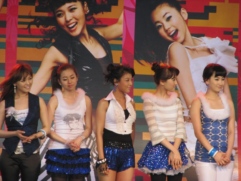 Tập tin:Wonder Girls Bangkok.jpg