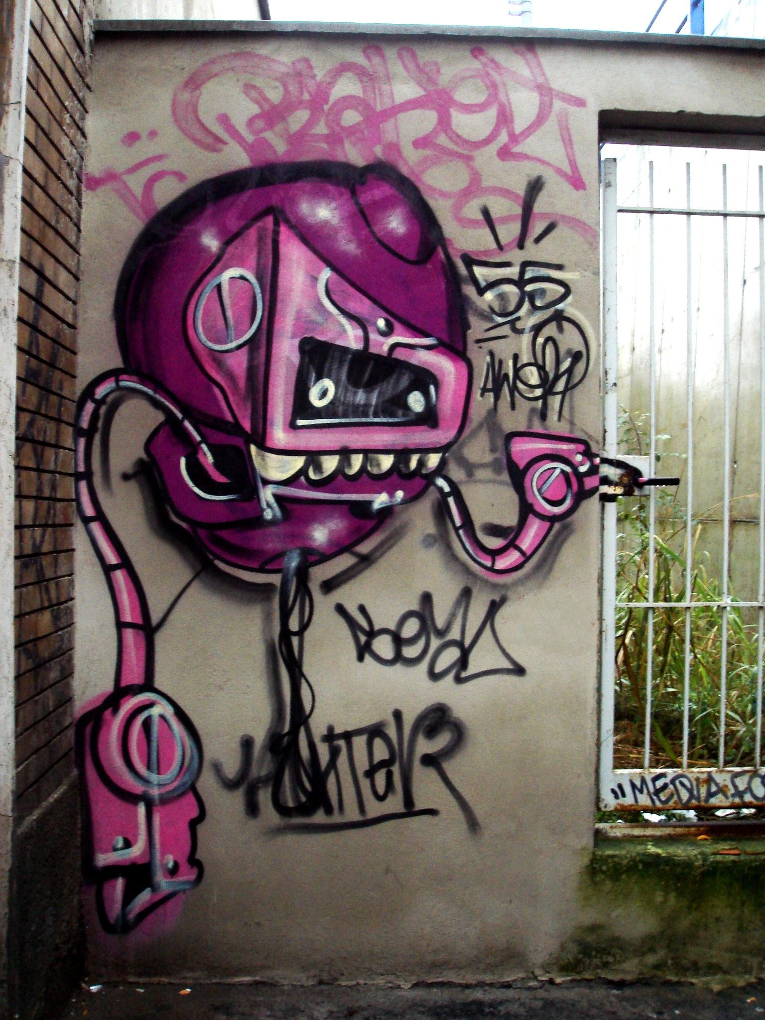 File:0120 - Milano - Graffiti in Via Meda - Foto Giovanni ...