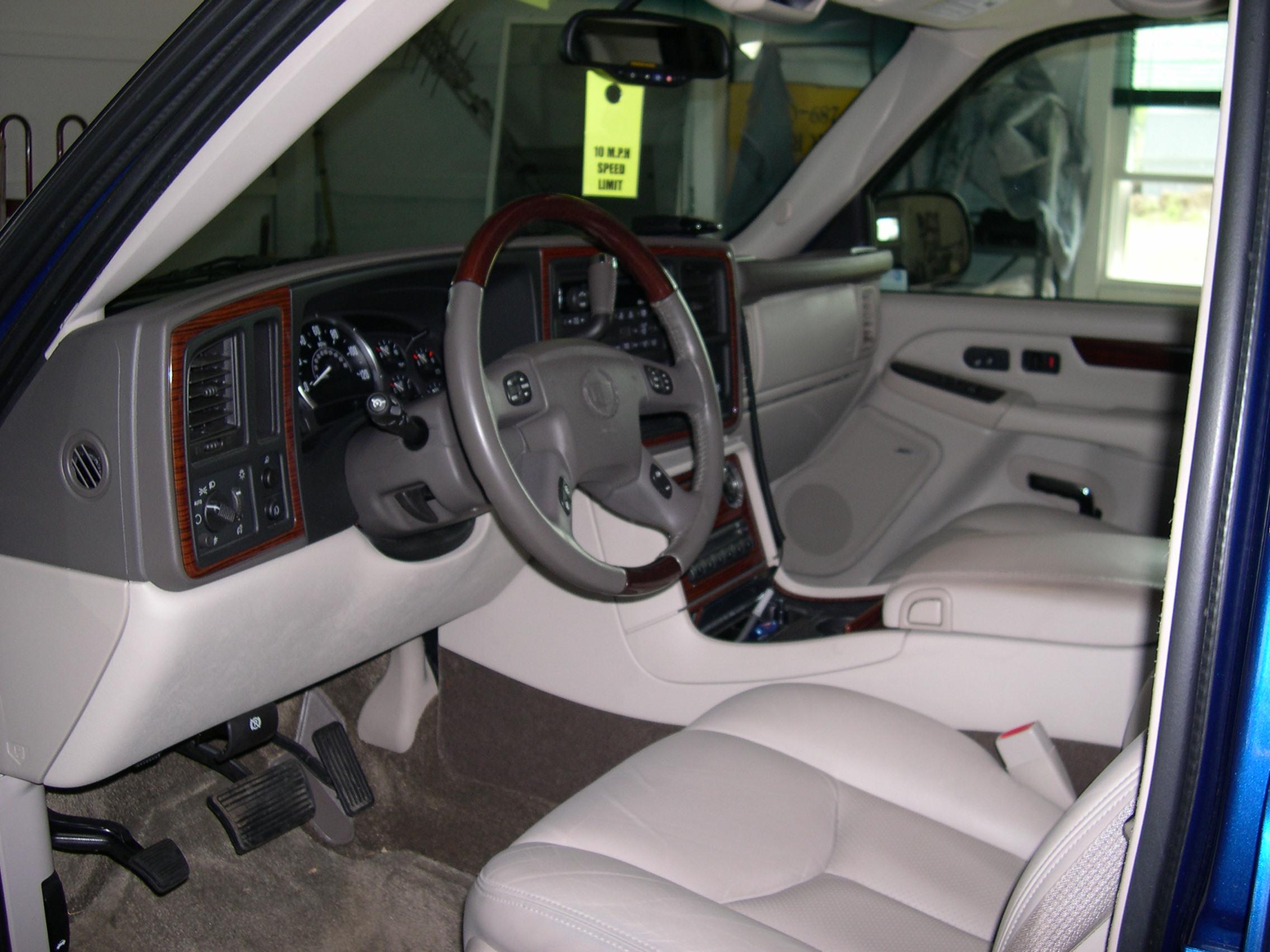 File 2003 Cadillac Escalade Ext Interior Jpg Wikimedia Commons