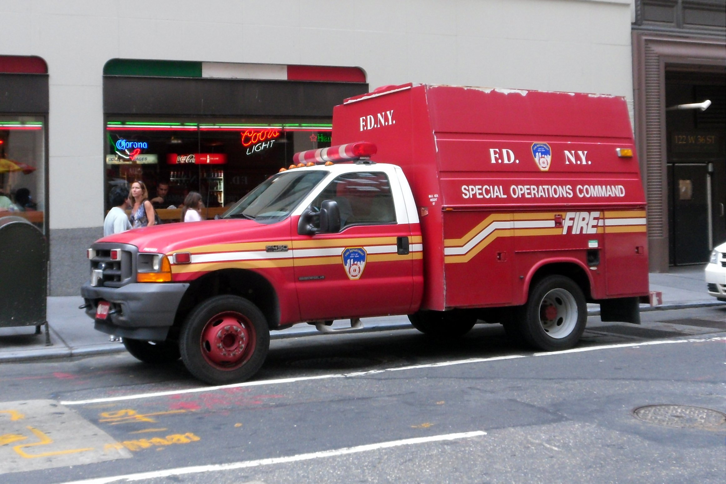 File 2011 Nyc Fdny Truck F450 Jpg Wikimedia Commons