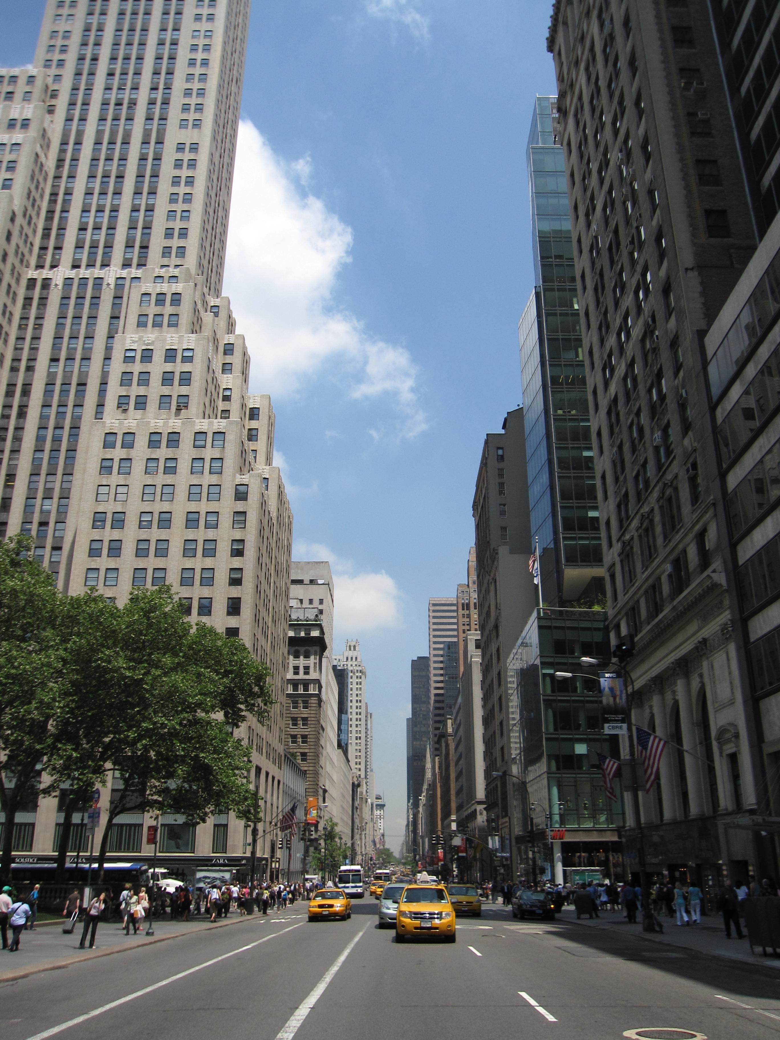 File:5th Avenue 9302.JPG - Wikimedia Commons