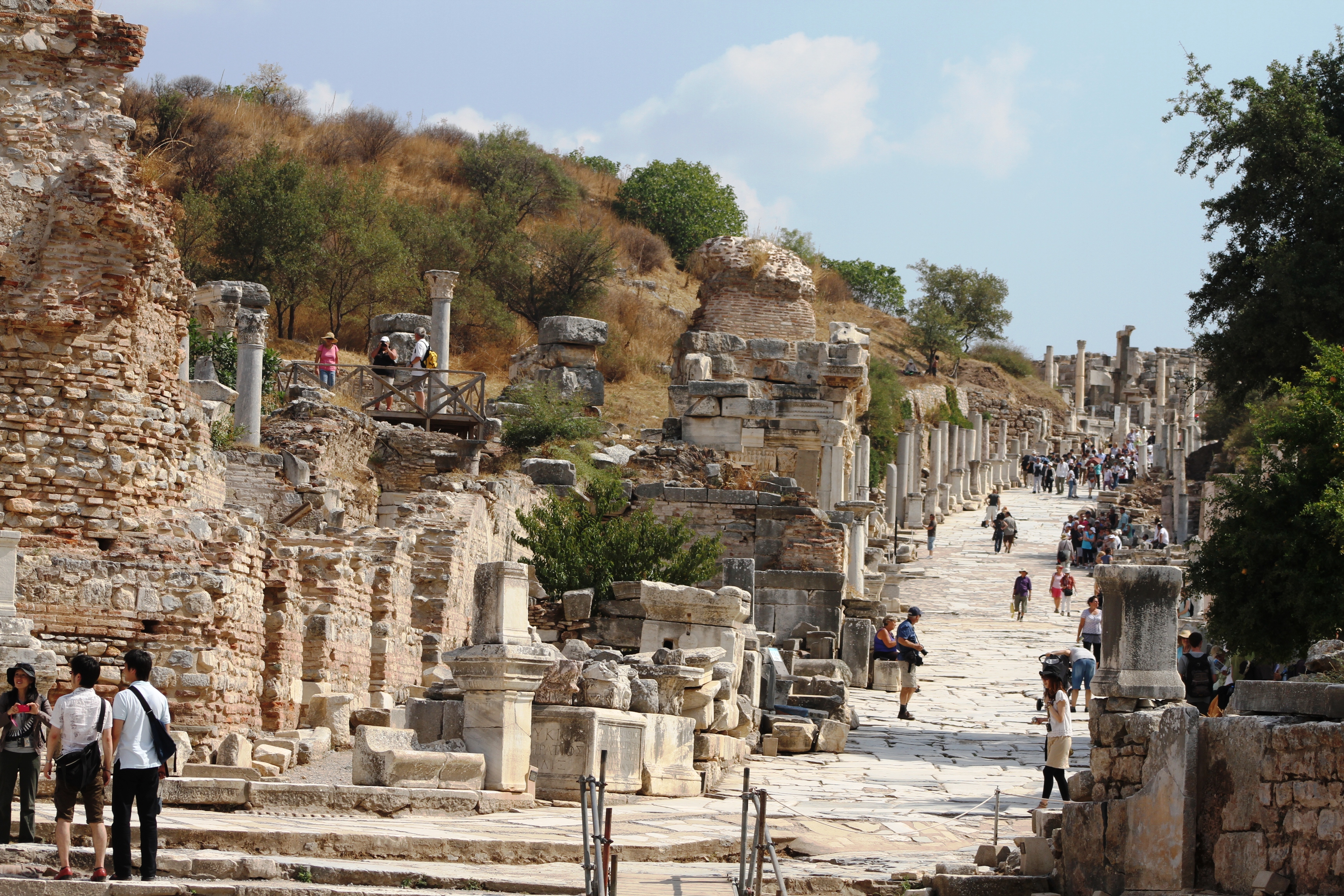 File:9.8 Curetes Street, looking up, in Ephesus.JPG ...