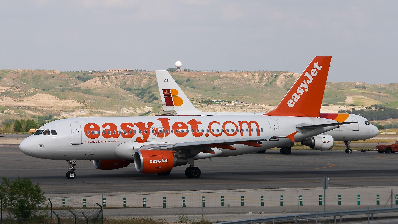 easyjet a319 - photo #33
