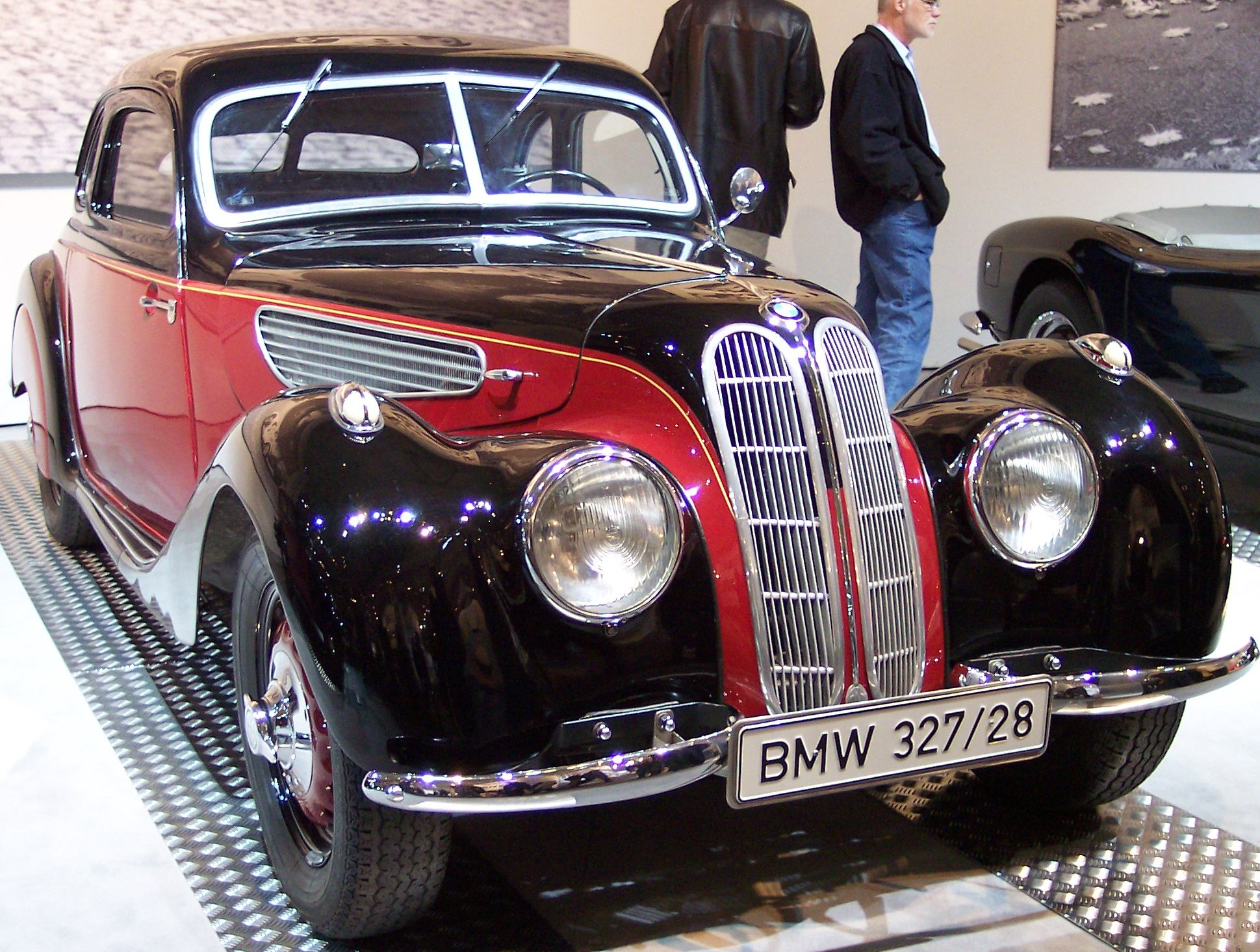 File:BMW 327-328 1937 bicolor vr TCE.jpg - Wikimedia Commons