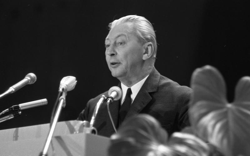 Kurt Georg Kiesinger Größe