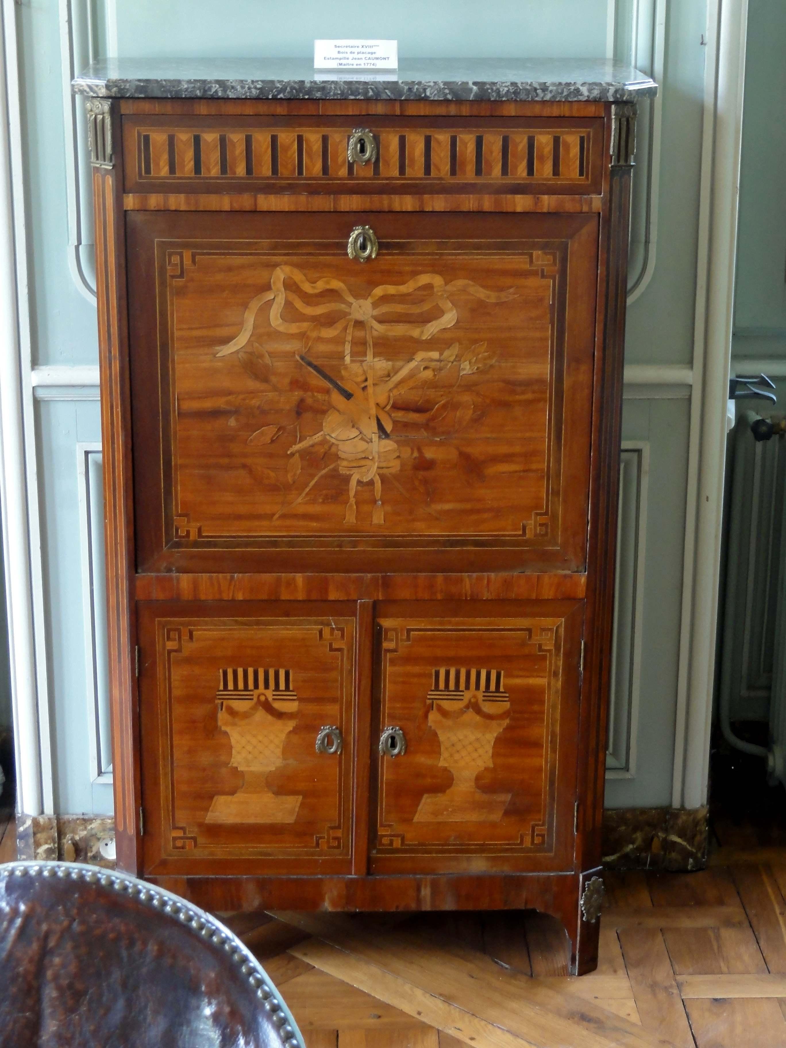 file chaussy 95 domaine de villarceaux biblioth que 8. Black Bedroom Furniture Sets. Home Design Ideas