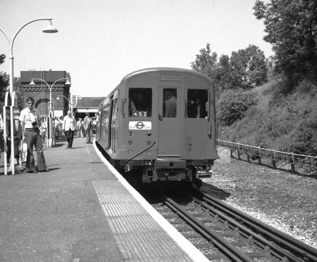 Chesham station, Buckinghamshire - geograph.org.uk - 462960