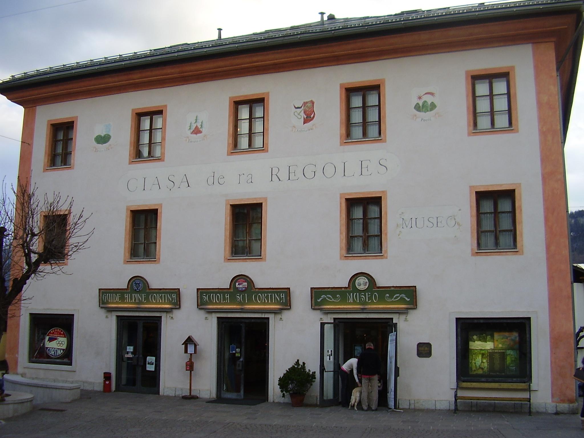 File cortina febbraio 2007 casa delle regole jpg wikipedia for Casa moderna wiki