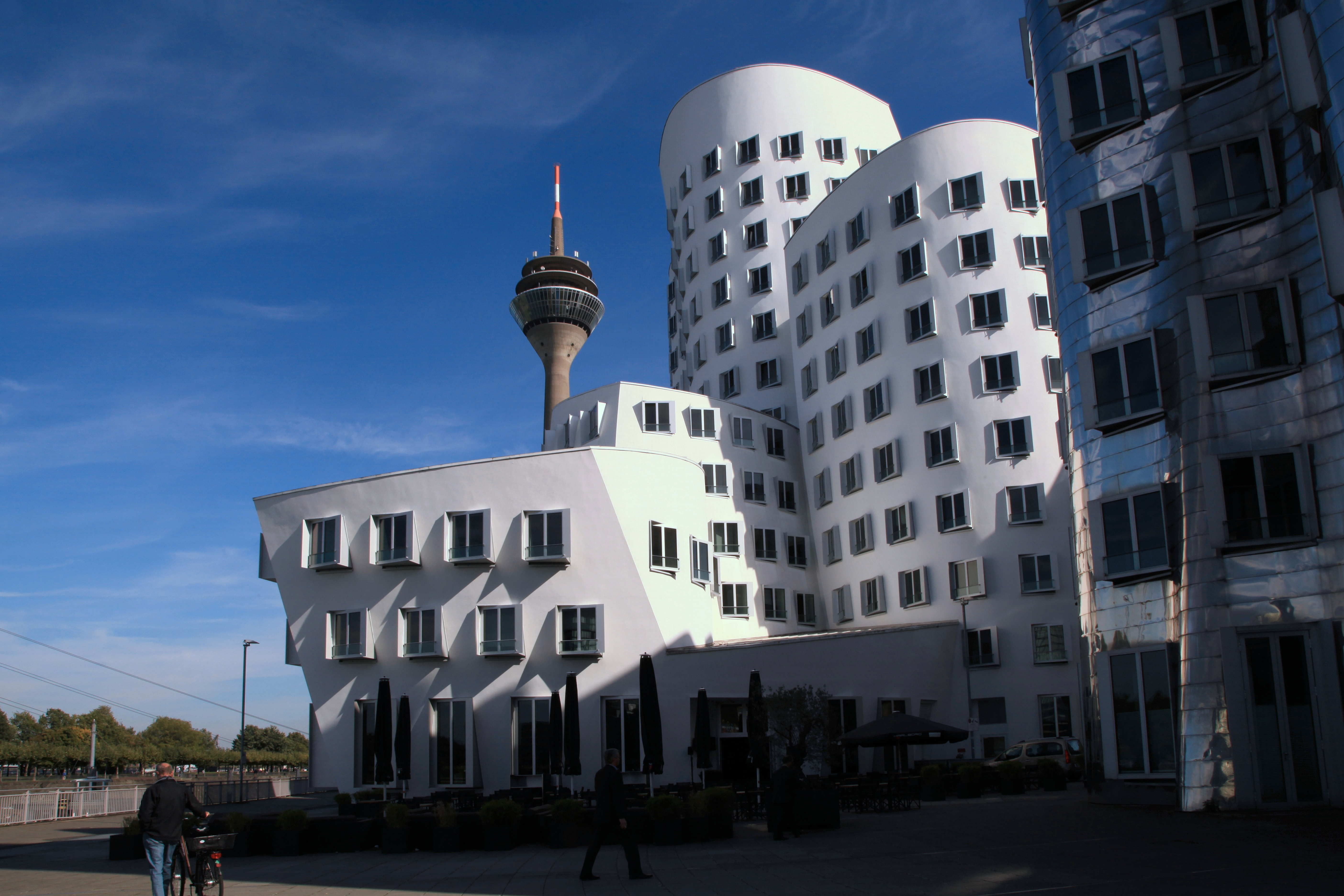 file d sseldorf am handelshafen neuer zollhof 01 wikimedia commons. Black Bedroom Furniture Sets. Home Design Ideas