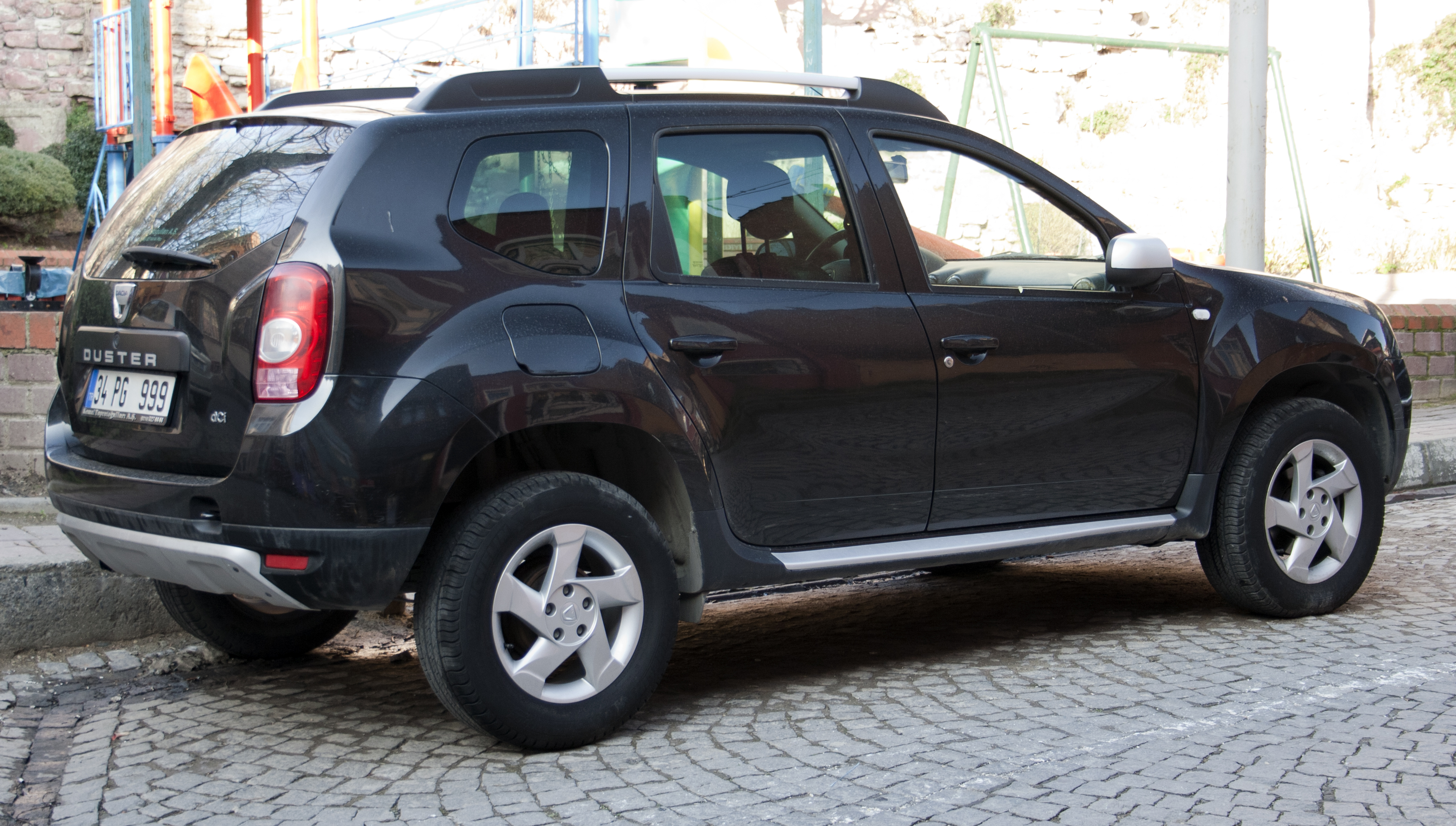 file dacia duster 1 5 dci in wikimedia commons. Black Bedroom Furniture Sets. Home Design Ideas