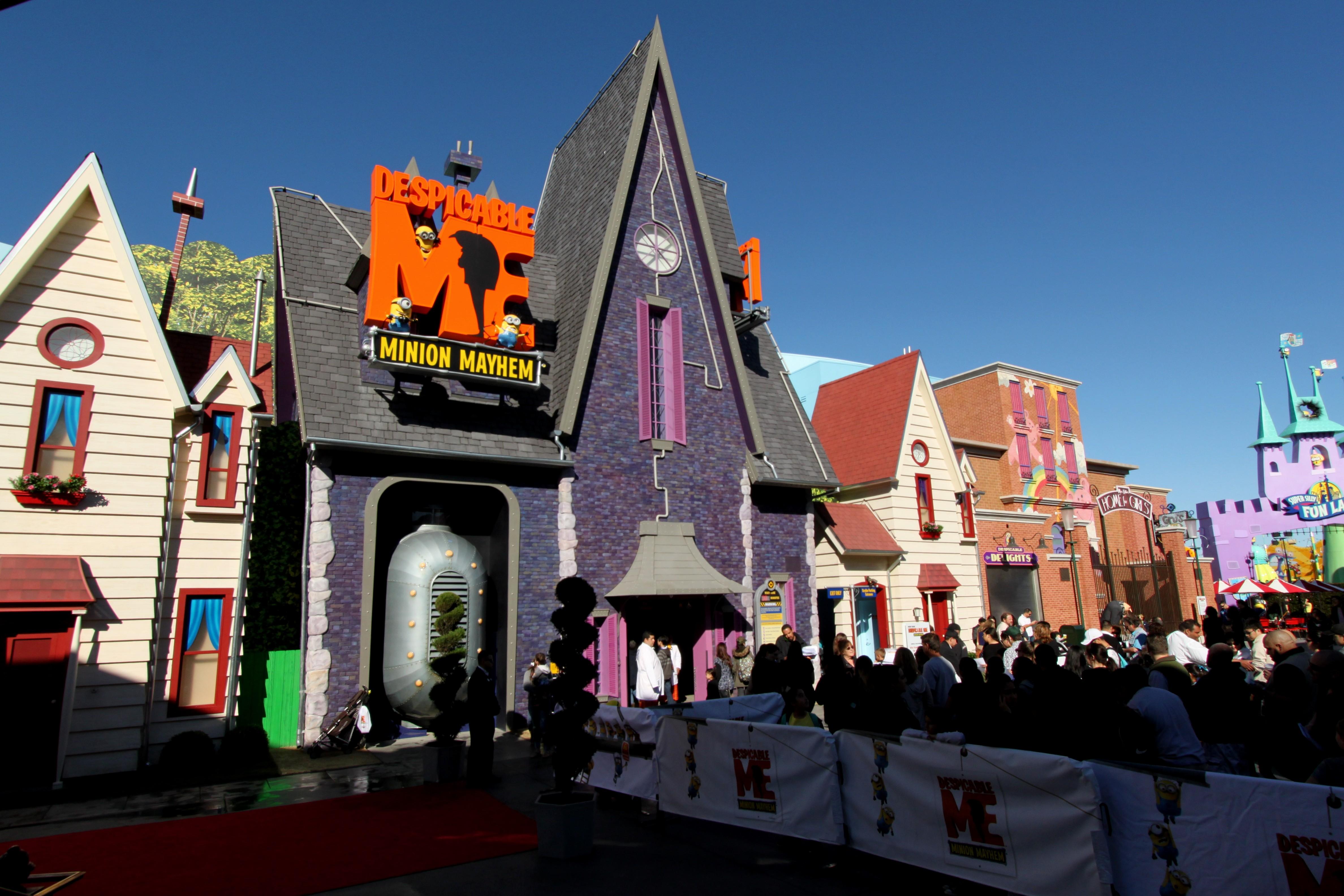 Universal Studios Holl...