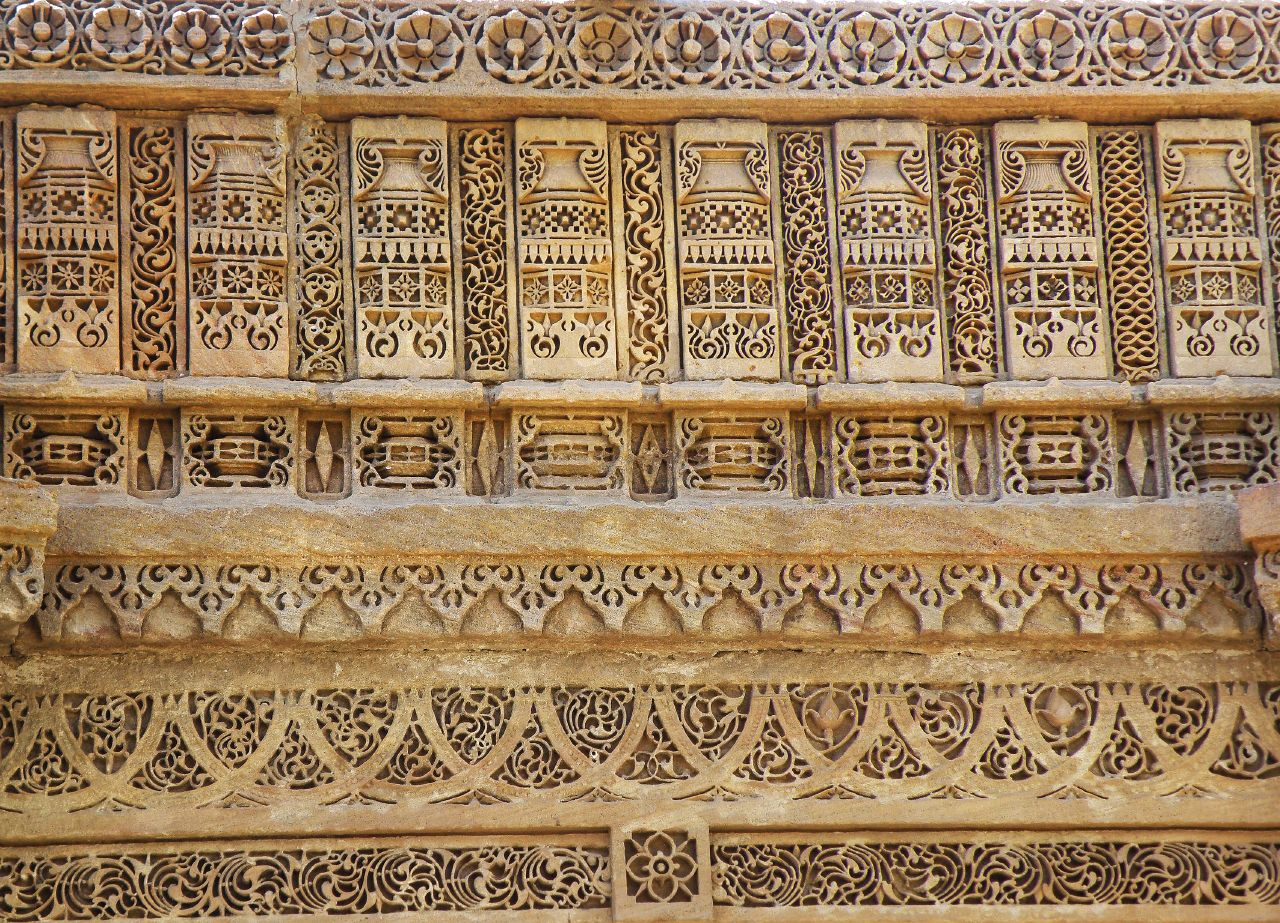 File details of stone carving at adalaj stepwell iv adalaj