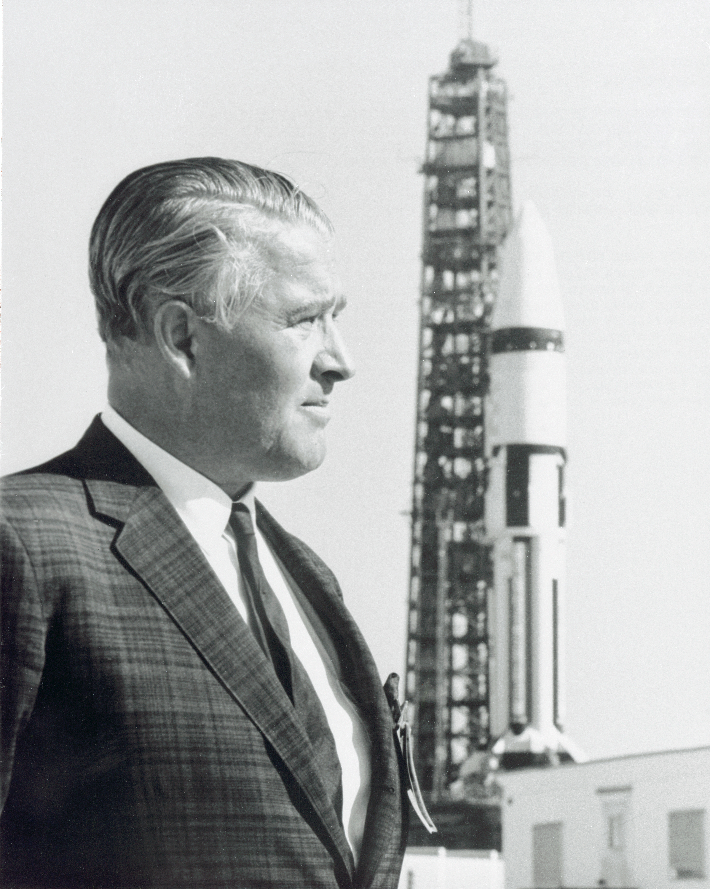 Saturn IB AS-204 (Apollo 5/LM-1) - 22-23.1.1968 Dr._Wernher_von_Braun_and_Saturn_IB