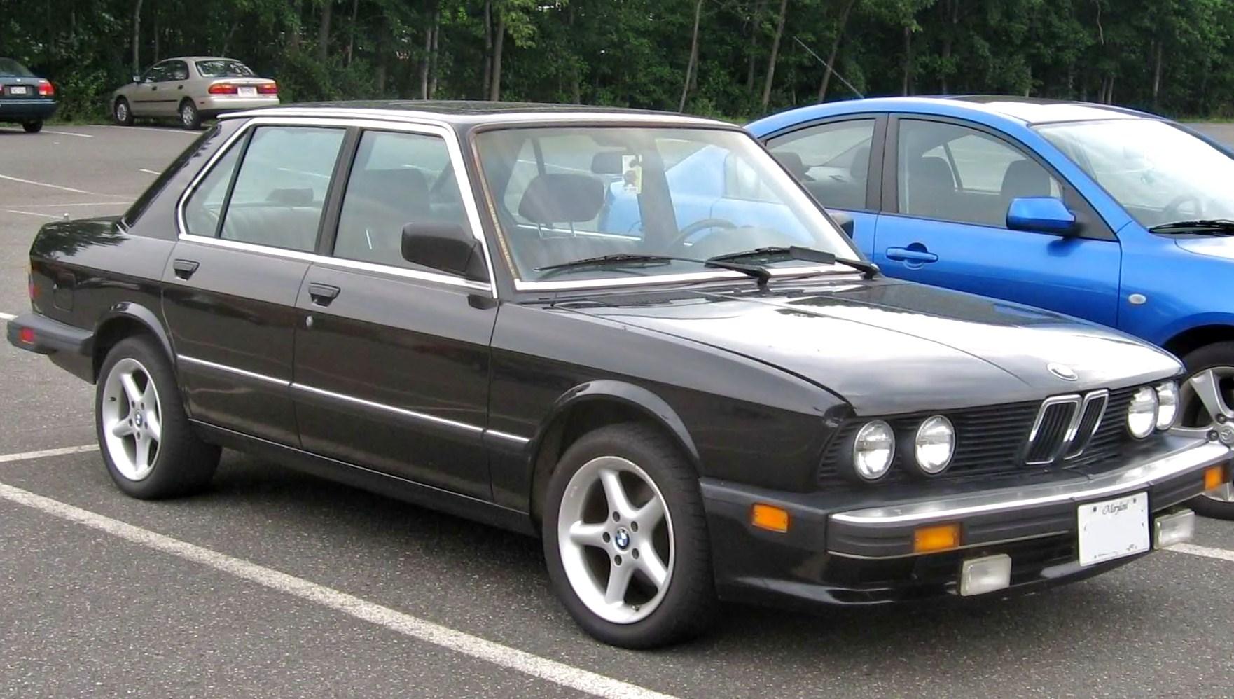 Bmw E28 Pivesto