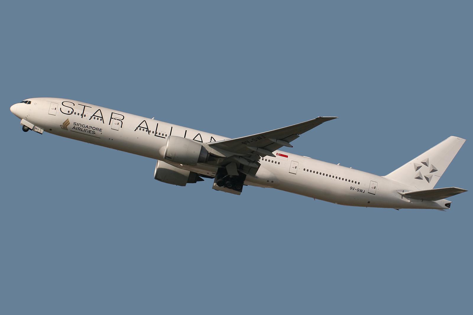 Fileer Singapore Airlines Star Alliance Livery V Swj  Jpg