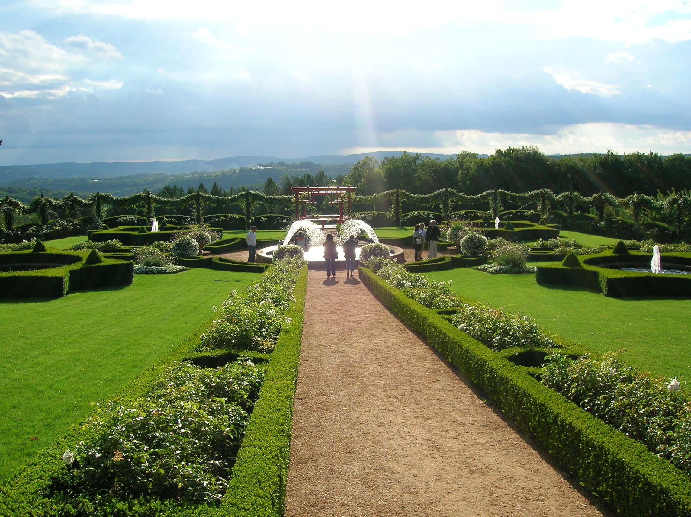 File Eyrignac Manor Gardens 05 JPG Wikimedia mons