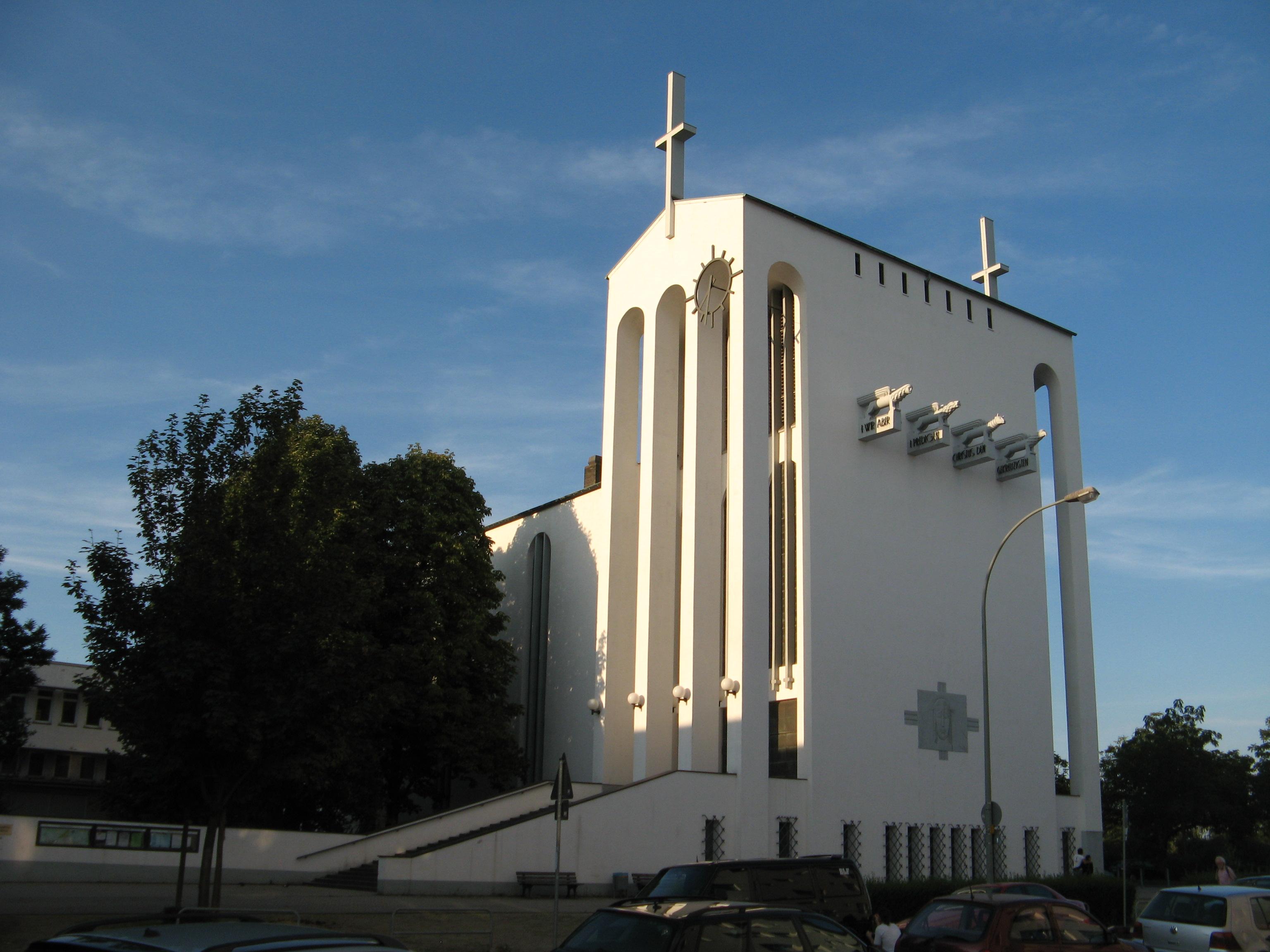 Holy Cross Church in Frankfurt-Bornheim
