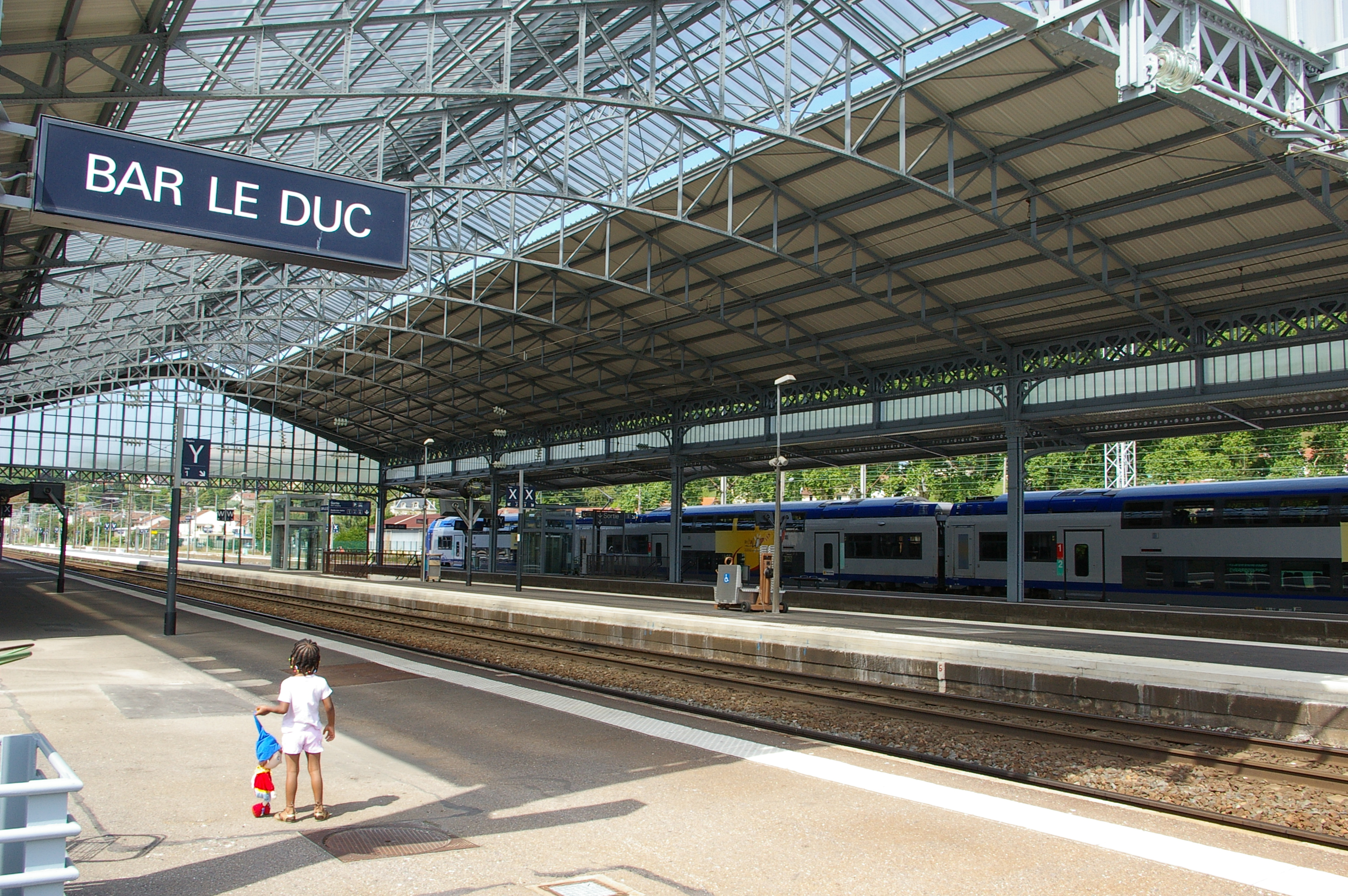 File gare de bar le duc jpg wikimedia commons for Horaire piscine bar le duc