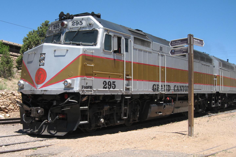 Grand Canyon Railway >> File Grand Canyon Railway Emd F40ph 01 Jpg Wikipedia