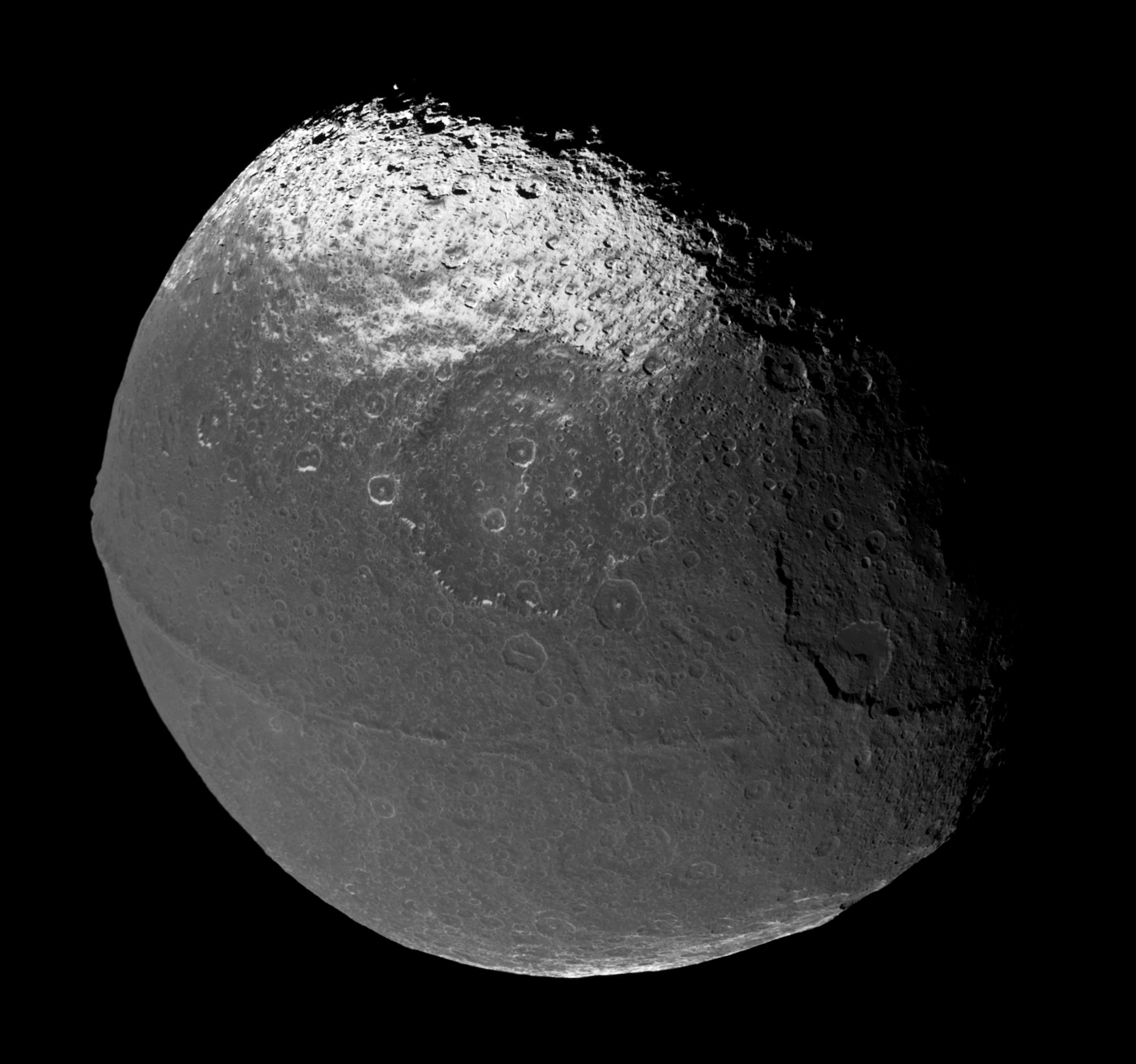 iapetus moon - photo #13