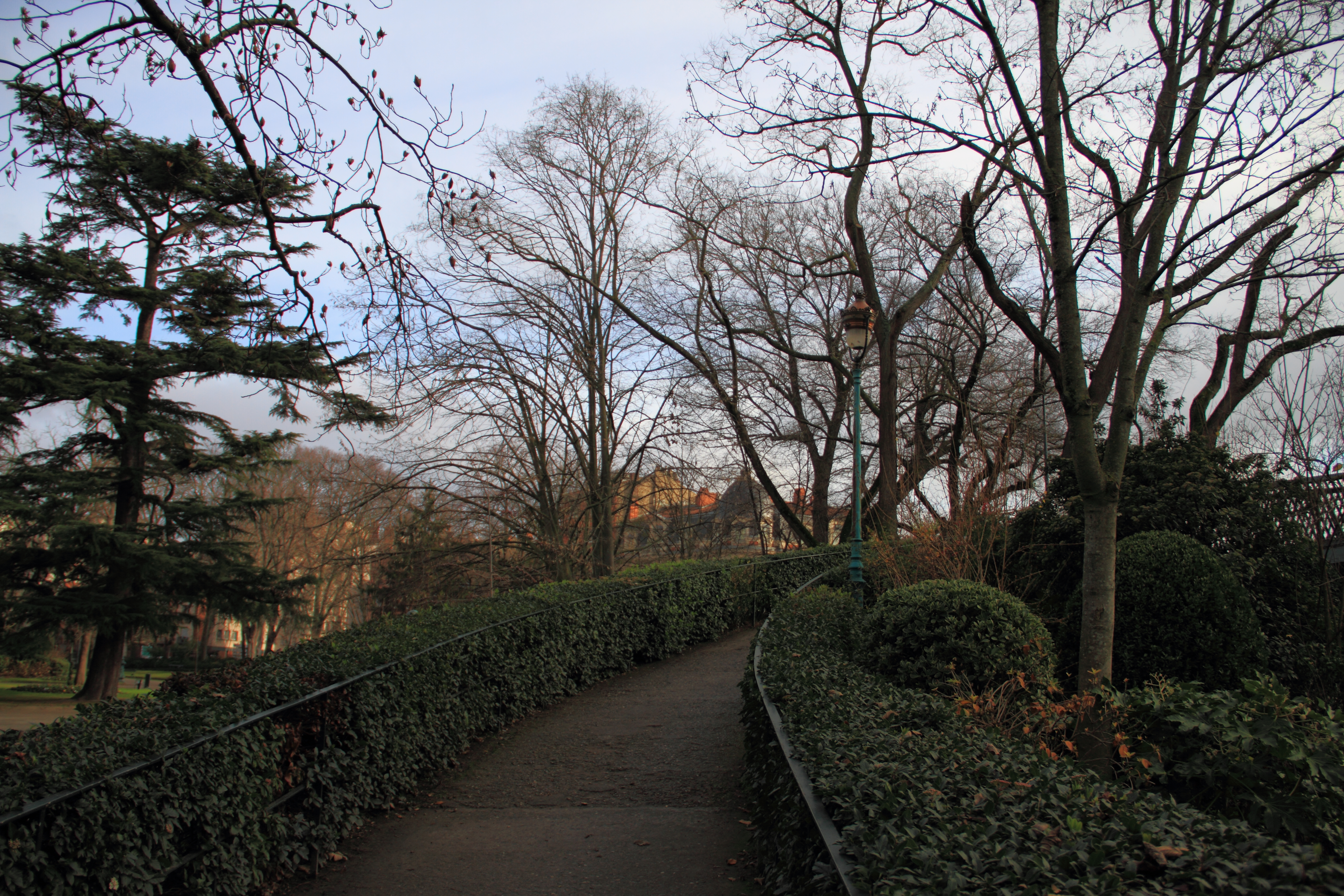 File:Jardin du Grand Rond, Toulouse 02.JPG - Wikimedia Commons