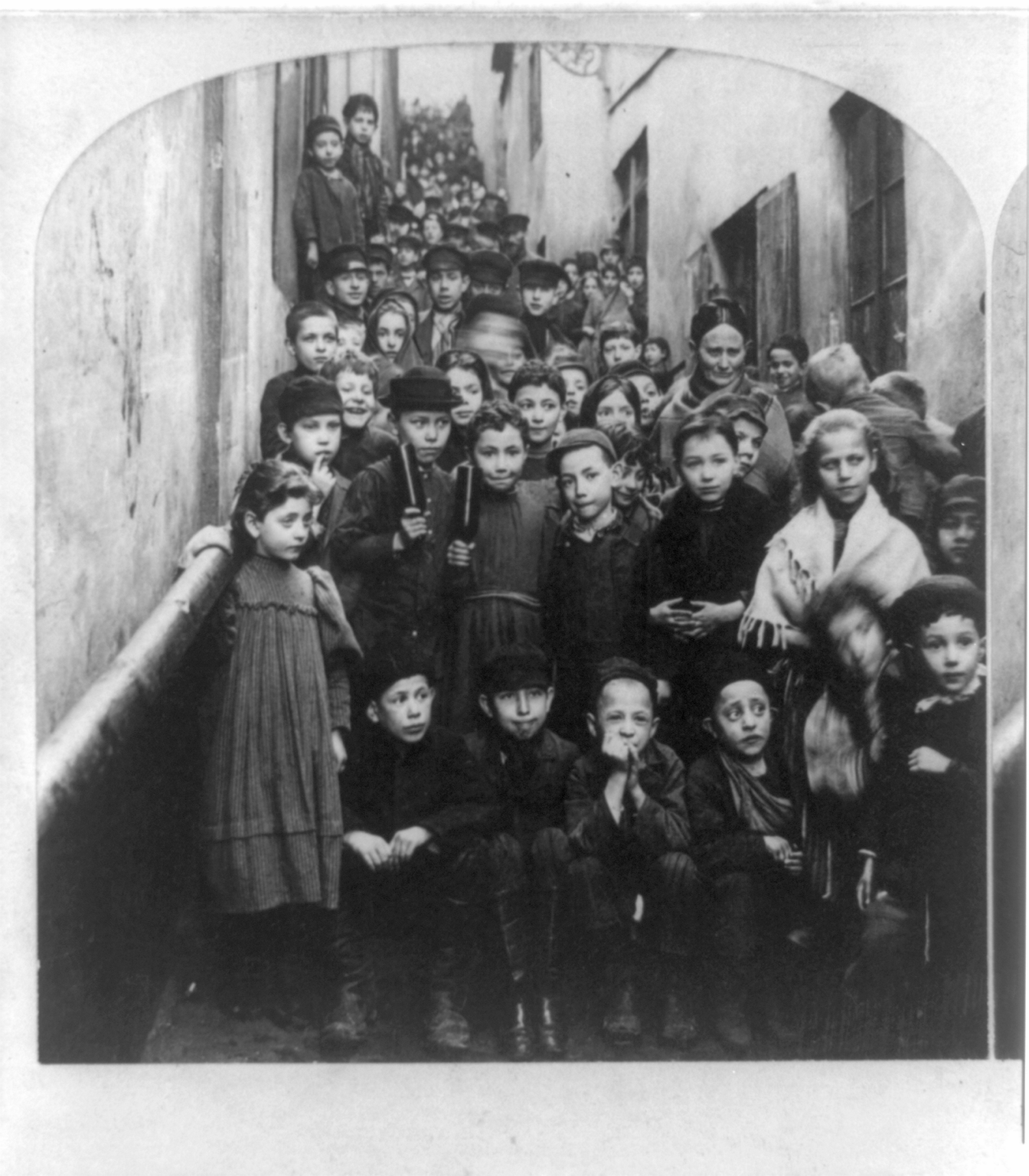 an overview of the history and settlement of jews in russia As the stability and social permissiveness of the settlement improved, more jews arrived in savannah and the the city was home to more than 300 recent immigrants from poland and russia, the vast majority ©2017 goldring/woldenberg institute of southern jewish life.