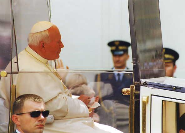File:John Paul II Polish Parliament 1999 6.jpg